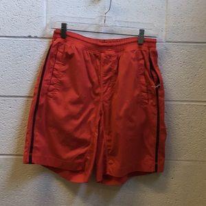 Lululemon men's red & black short sz med 57322